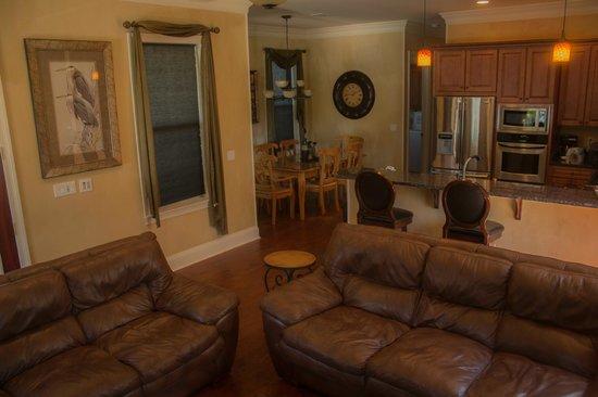 Villages of Crystal Beach: Livingroom/diningroom/kitchen