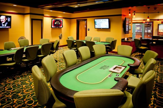 Lucky 7 Casino & Hotel: Poker Room