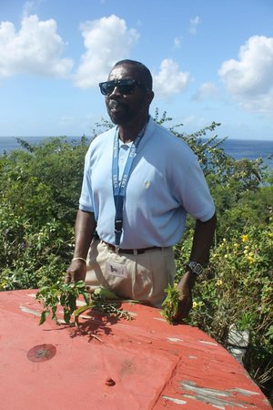 Island Paradise Tours : Roosevelt has so much island knowledge!