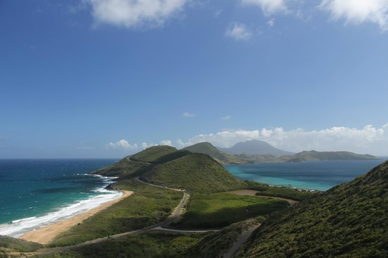 Island Paradise Tours : The Atlantic Ocean on the left & the Caribbean on the right!