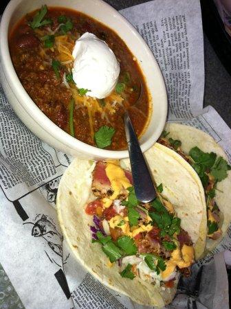 Brown Dog Deli: Chili and fish tacos