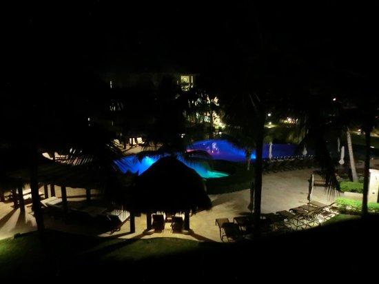 Dreams La Romana: Abendbeleuchtung vom Preferred Pool