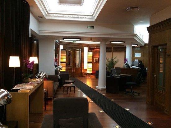 Quatro Puerta del Sol Hotel : lobby is cozy