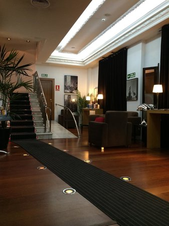 Quatro Puerta del Sol Hotel: lobby
