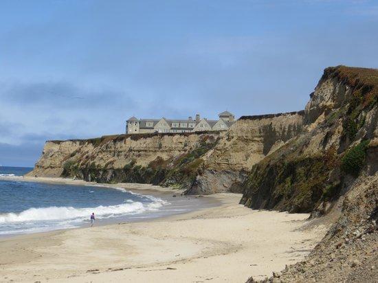 Half Moon Bay Lodge: Ritz and beach