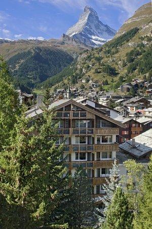 Photo of Hotel Holiday Zermatt