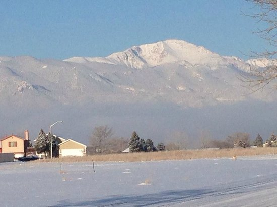 Holiday Inn Express Colorado Springs Airport: View of Pike's Peak from my room.