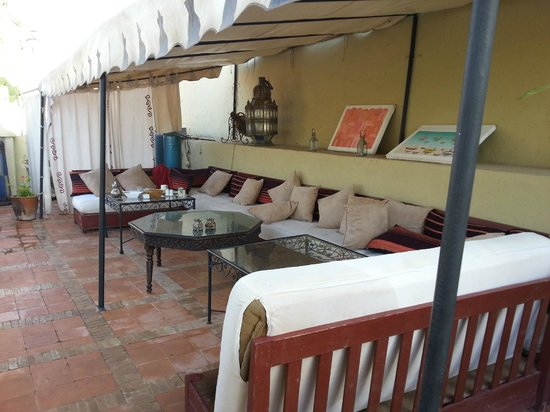 5 Lounge Dakterrassen : Lounge gedeelte op het dakterras picture of riad africa and spa