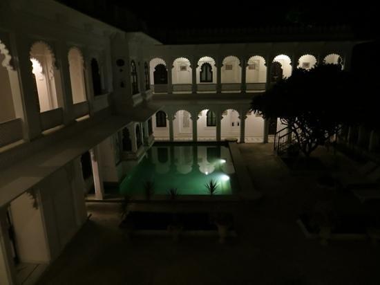 Amet Haveli : Pool at night