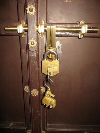 Amet Haveli : Lock & key