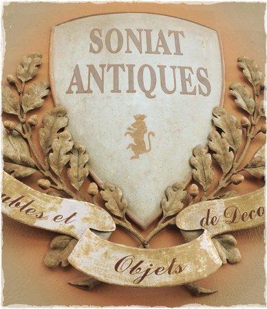 Soniat House: Antiques Shop