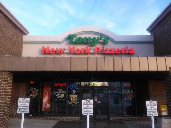 Tony's New York Style Pizzeria: Orchard Park Drive and Haywood Road