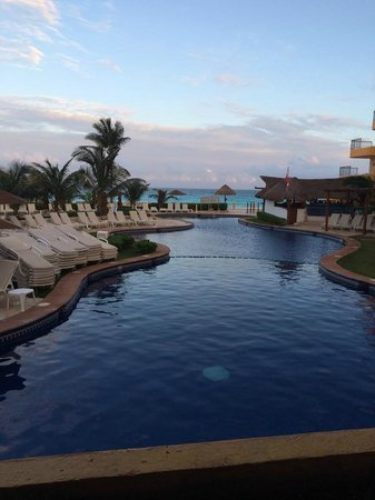Fiesta Americana Condesa Cancun All Inclusive: Piscina