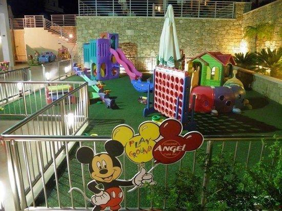 Nikitas Apartments : Kids area.