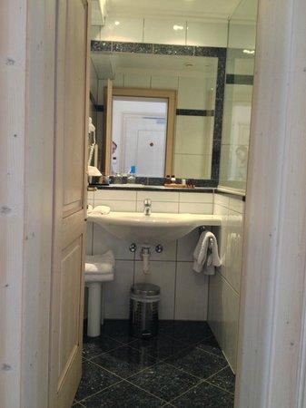 Hotel Brigitte: Ванная / Bathroom