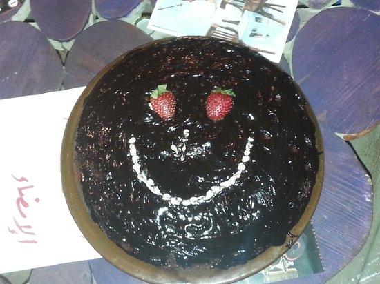 Everyday Cafe & Restaurant : best chocolate cake ever !!