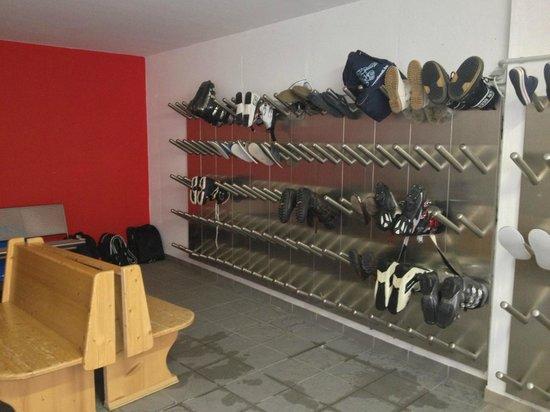 Hotel Brigitte: Хранилка / ski room