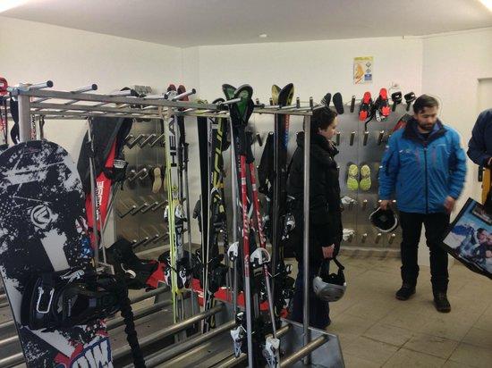 Hotel Brigitte: Хранилка / Skiroom