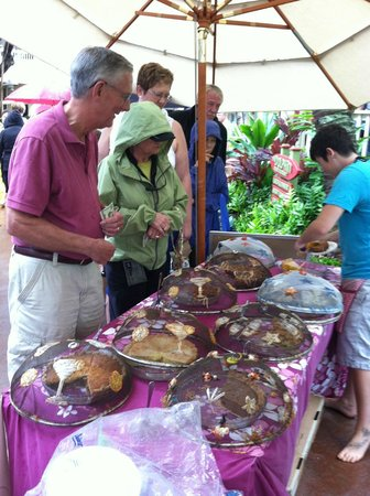 The Right Slice : Farmers Market in Kukuiula Shopping Center