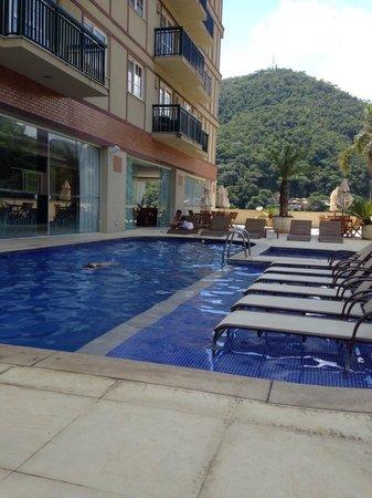 Granja Brasil Resort: Piscina do hotel Clarion