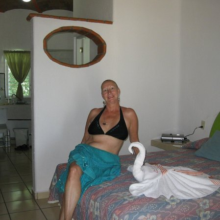 Hotel Loma Linda: lounging with the swan