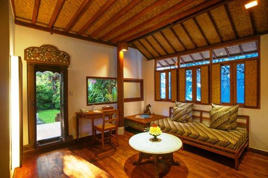 Tandjung Sari: Two-Storey Bungalow