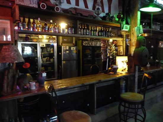 Shack Up Inn: Il bar