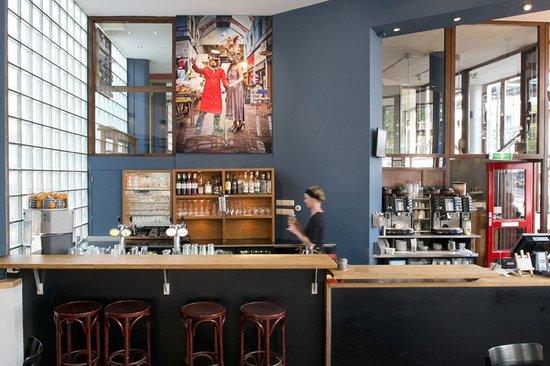 Cafe Tisfris: The bar