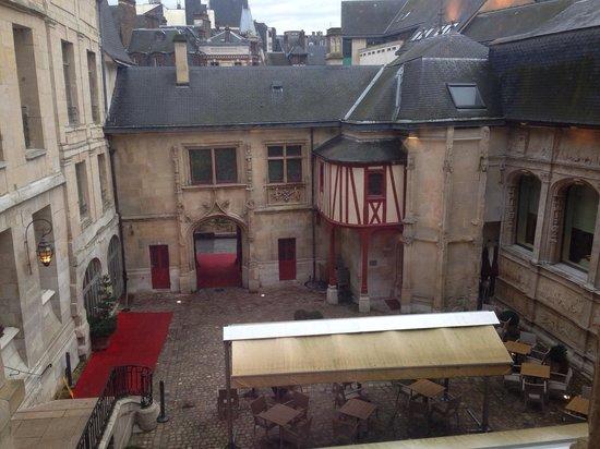 Hotel de Bourgtheroulde, Autograph Collection : Vue de la chambre 212