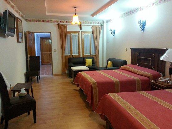 Mision Patzcuaro Centro Historico: mi cuarto
