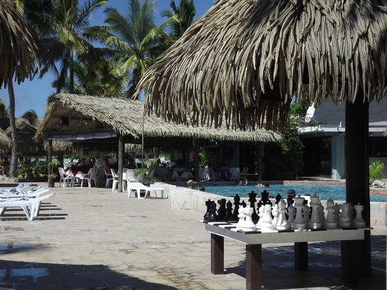 The Edgewater Resort & Spa: Pool & Restaurant