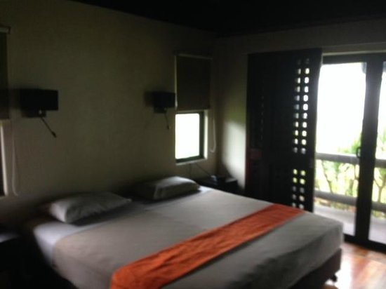 Uprising Beach Resort : Спальня в вилле