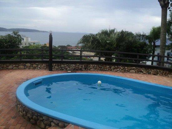 Pousada do Arvoredo: La piscina.