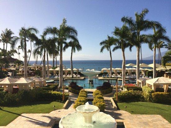 Four Seasons Resort Maui at Wailea: Pool area is beautiful