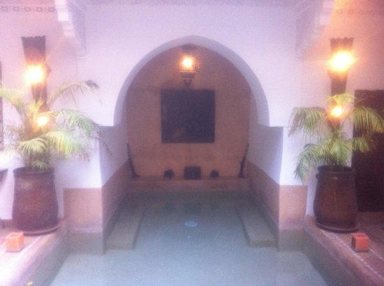 Riad Les Nuits de Marrakech : Private Pool