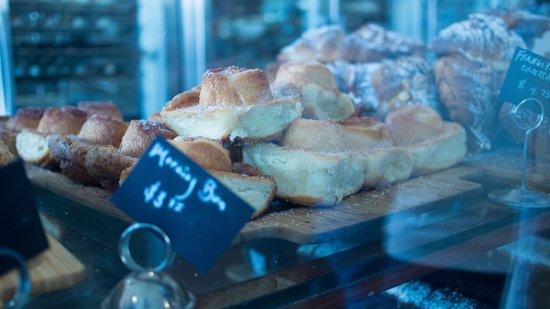Tartine Bakery: Breakfast bun
