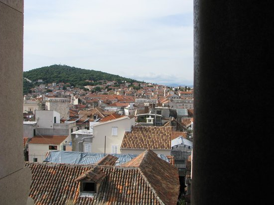 Zephyrus Boutique Accommodation : Looking back at the apartment from bell tower