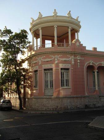 Plaza of Delights (Plaza de las Delicias): Architecture