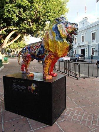 Plaza of Delights (Plaza de las Delicias): Art