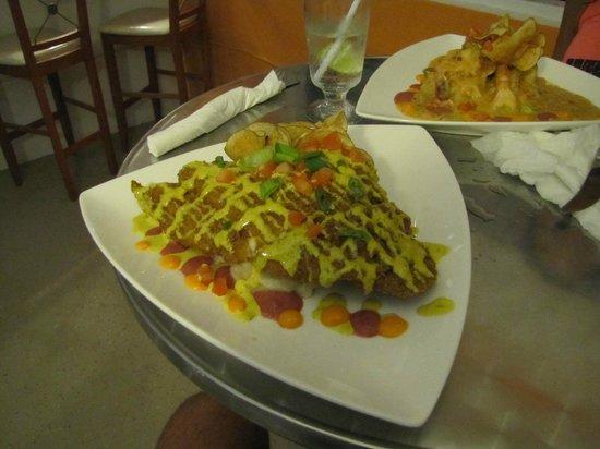 Casa Resaca: Great dinner at Suzies