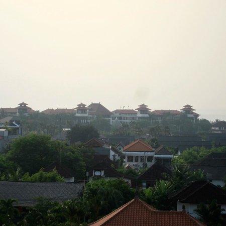 U Paasha Seminyak: View from roof top pool