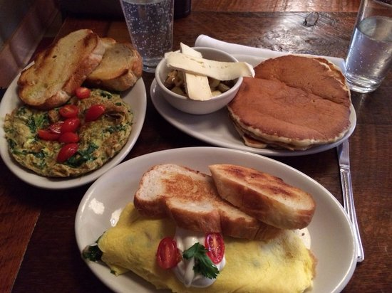 Colossal Cafe: Frittata, flappers (with apples, Brie and walnuts on the side), omelette and homemade toast.  Fa