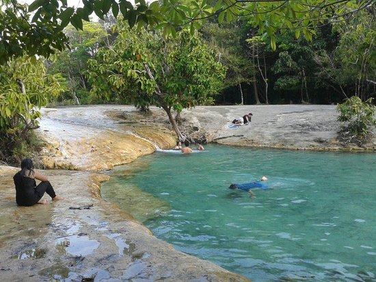 Emerald Pool (Sa Morakot): Crystal lagoon