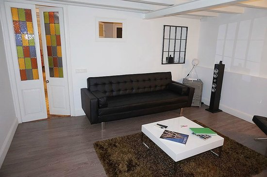 BarcelonaBB: Living Room