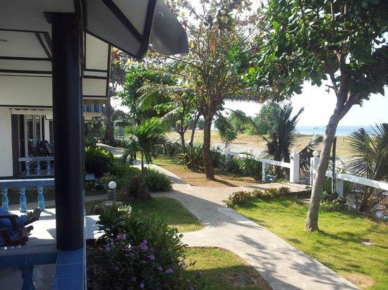 Lanta Il Mare Beach Resort : Vista des del balcón