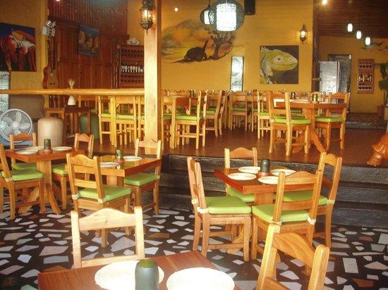 IslaGrill: Dining Room