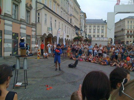 Hauptplatz : esibizioni in piazza