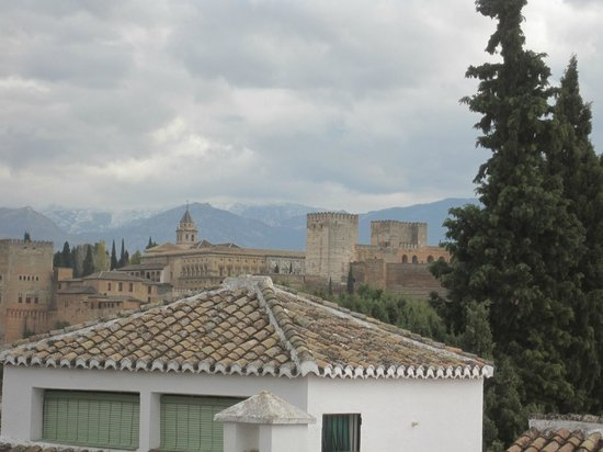 Santa Isabel la Real: View of Alhambra from room 11