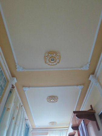 Casa Hostal Idael & Dania: ceiling of room across the street