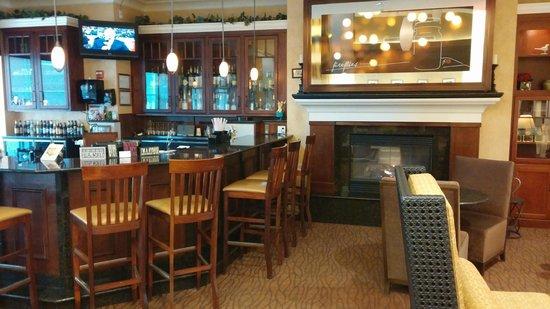 Hilton Garden Inn Rochester Downtown : Lounge area...